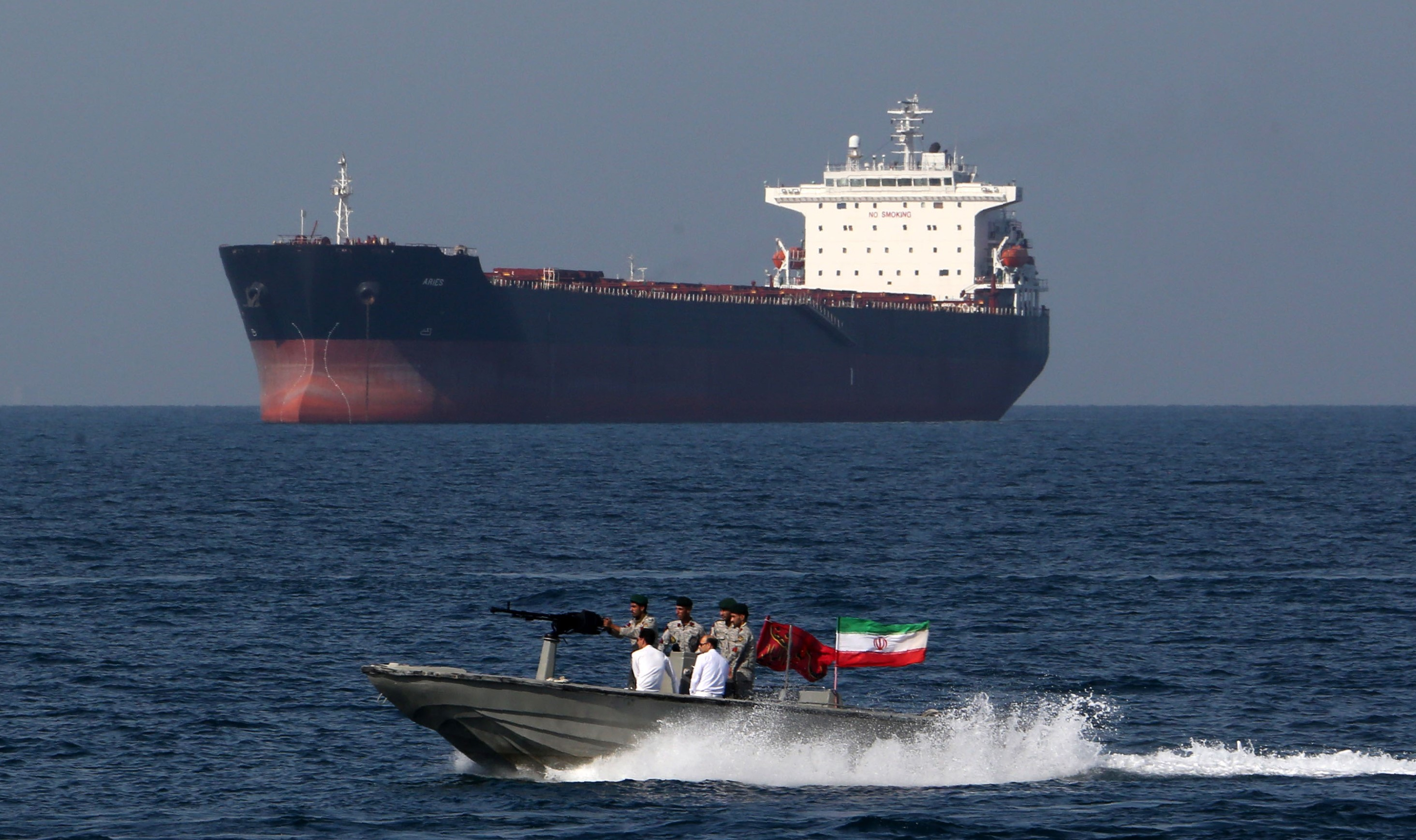 "Iranian soldiers take part in the ""National Persian Gulf day"" in the Strait of Hormuz, on 30 April (AFP)"