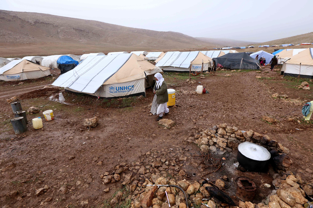 A general view shows a make-shift camp for displaced Iraqi people from the Yazidi community, on Mount Sinjar (AFP)