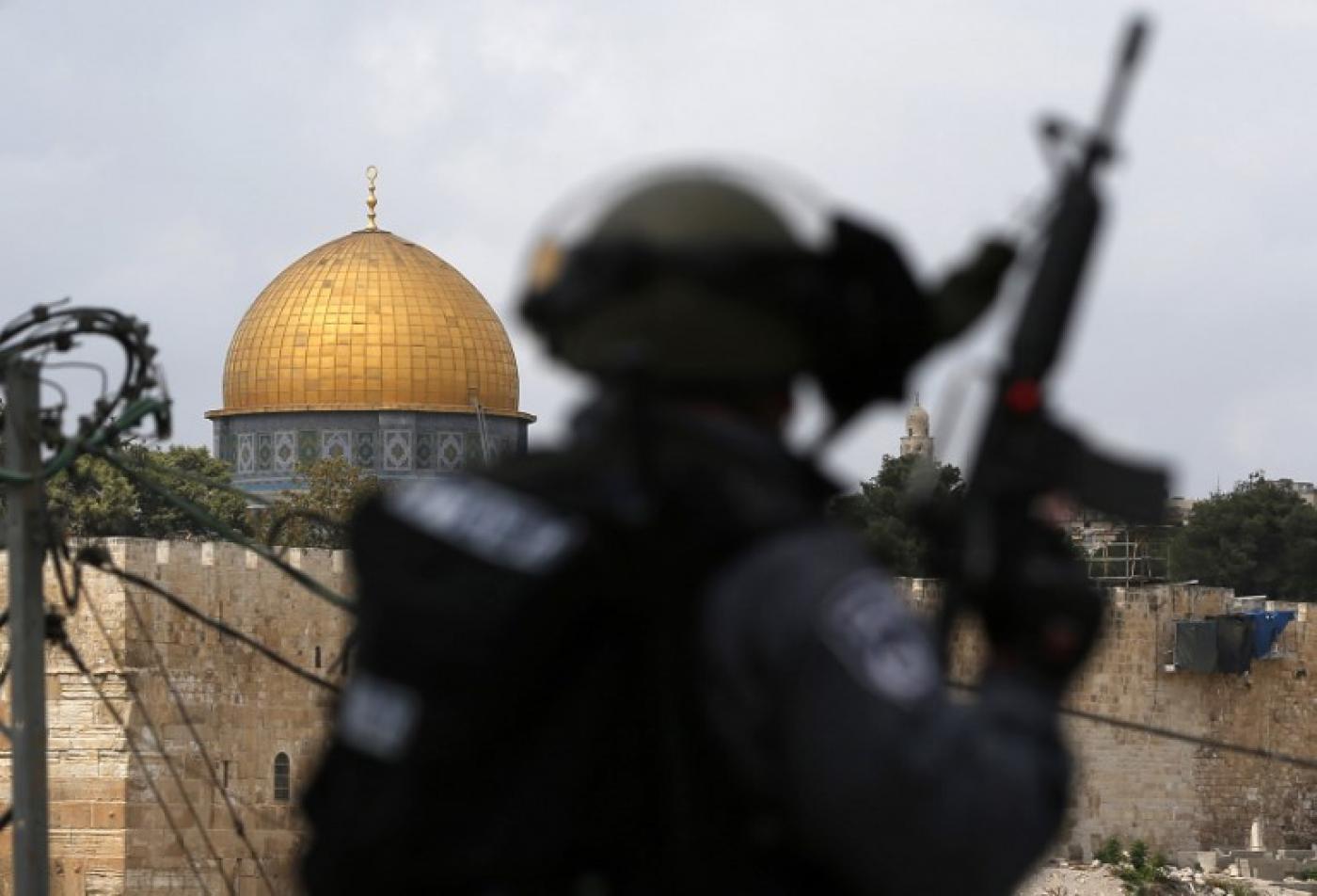 Israël limite régulièrement l'accès des Palestiniens à la mosquée al-Aqsa à Jérusalem-Est (AFP)
