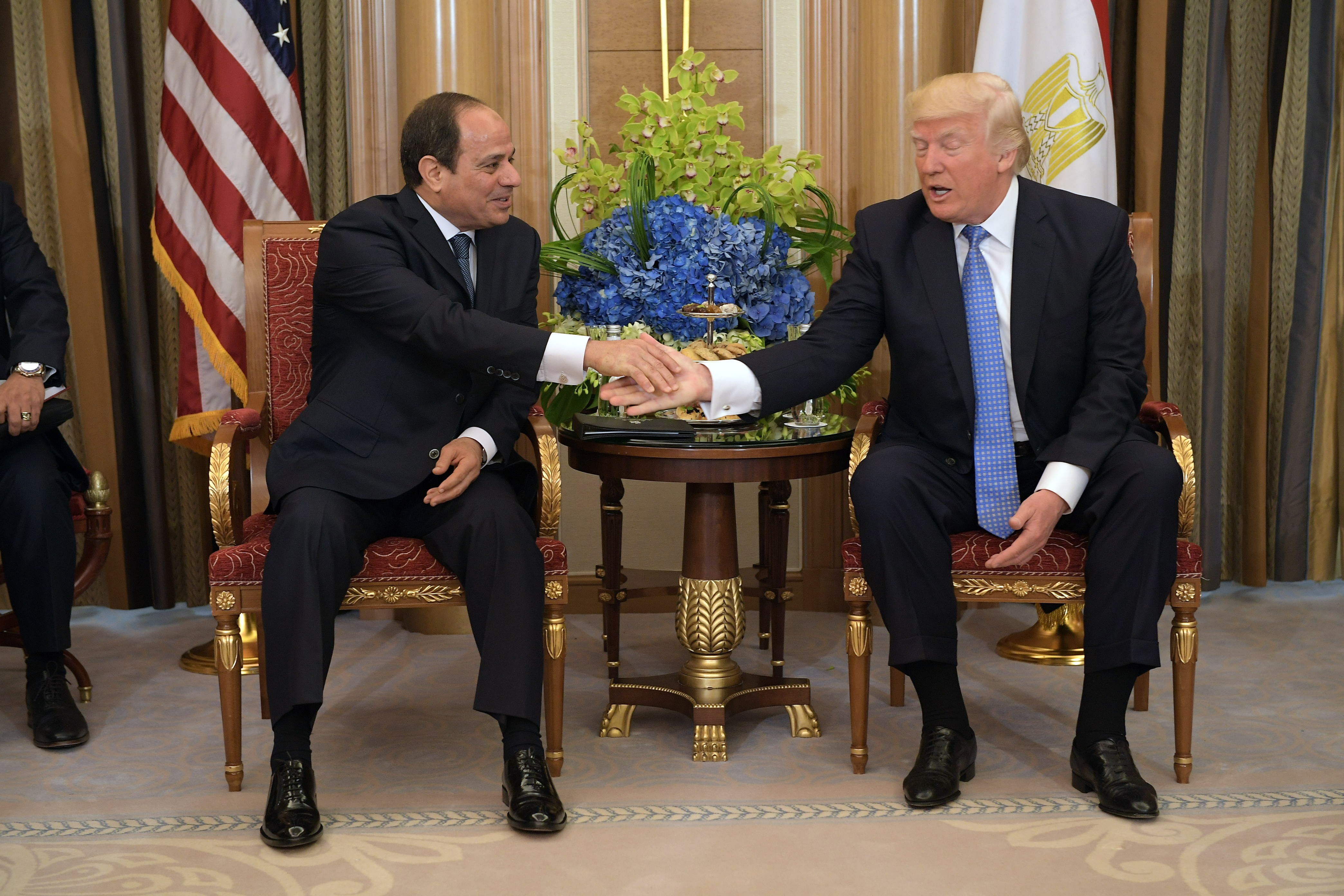 US President Donald Trump (R) and Egypt's President Abdel Fattah al-Sisi 21 May, 2017 (AFP)