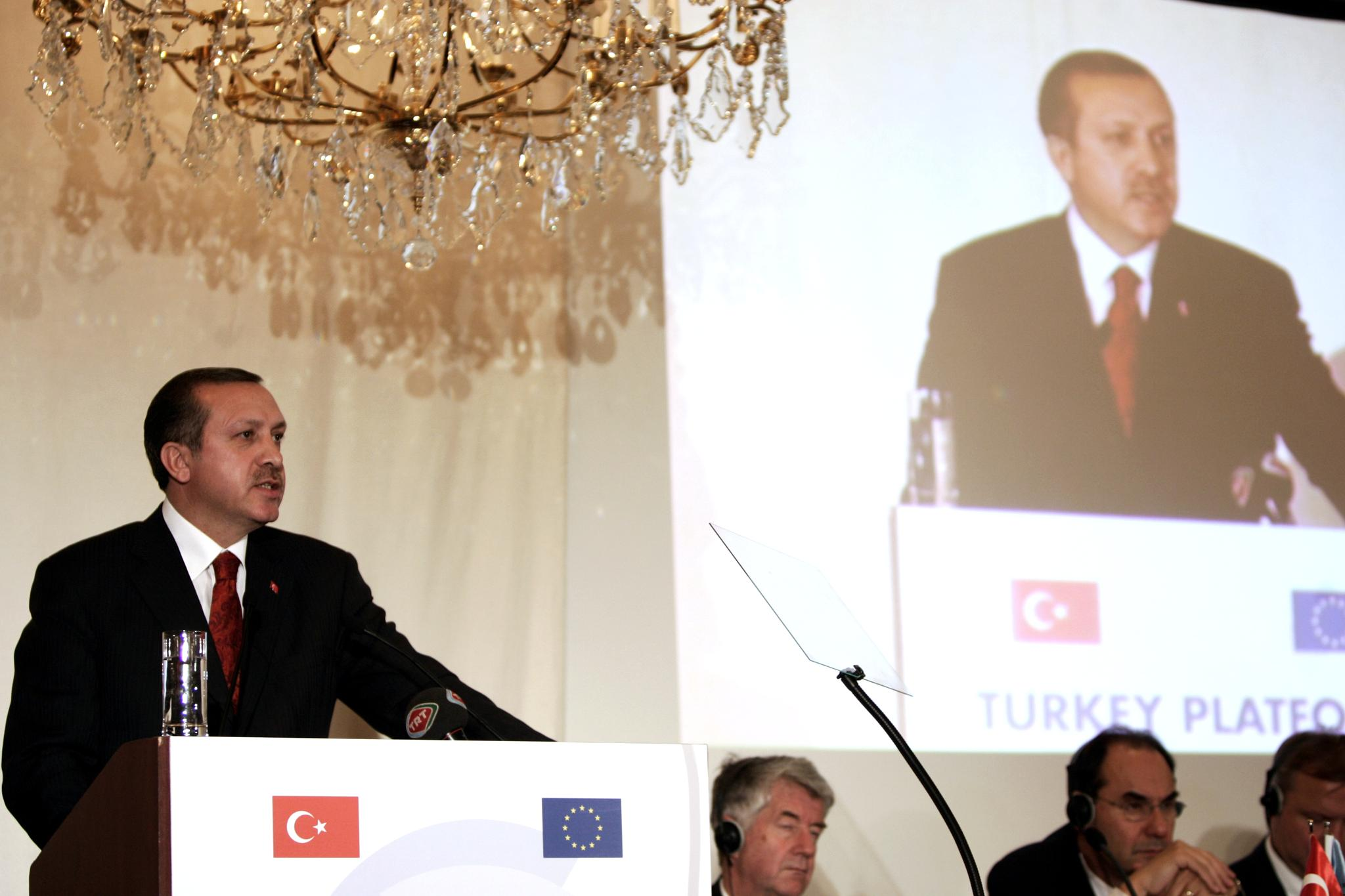 Recep Tayyip Erdogan gives a speech at the Turkish Platform seminar, 10 December 2004, in Brussels (AFP)