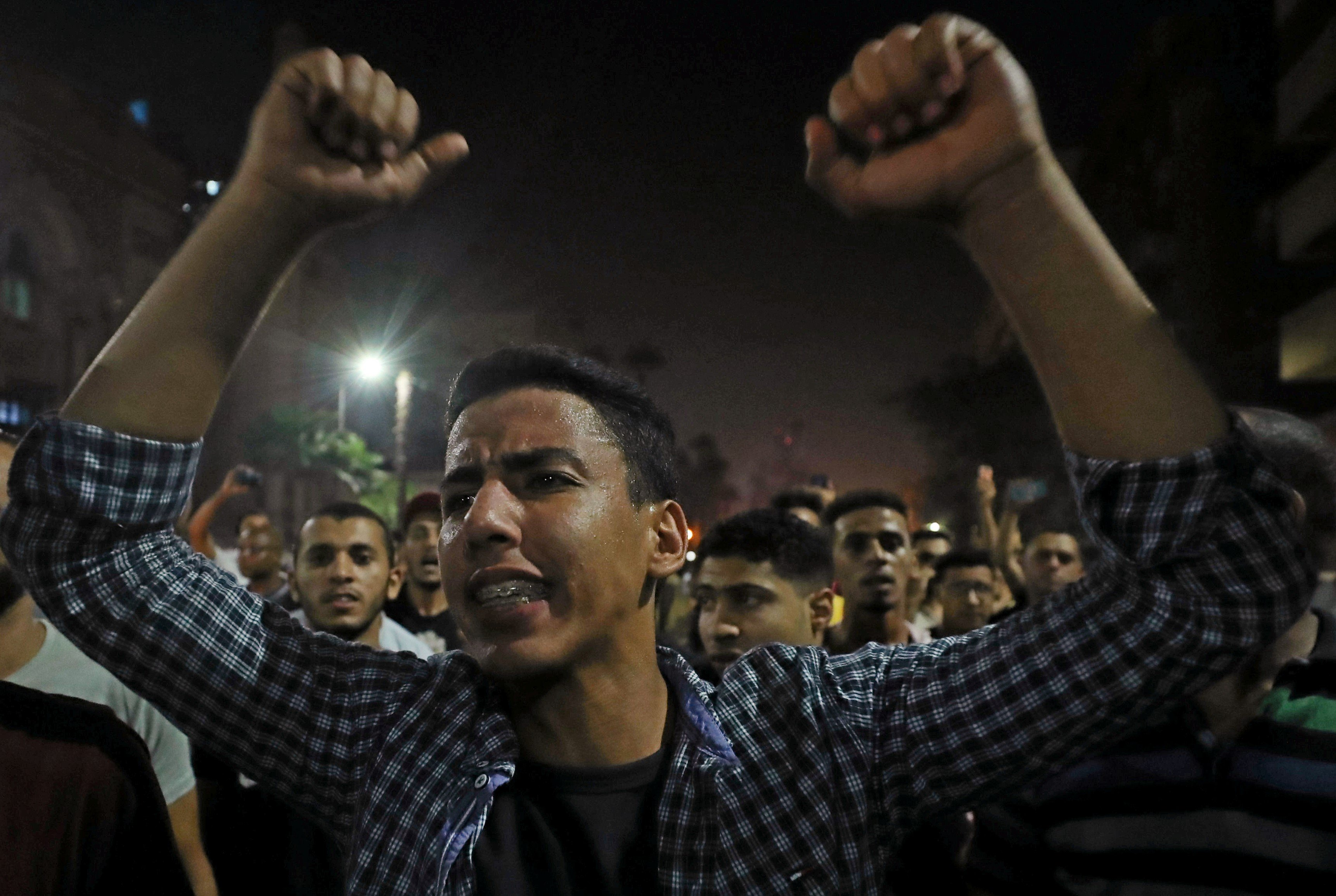Small groups of protesters gather in central Cairo shouting anti-government slogans in Cairo, Egypt September 21, 2019