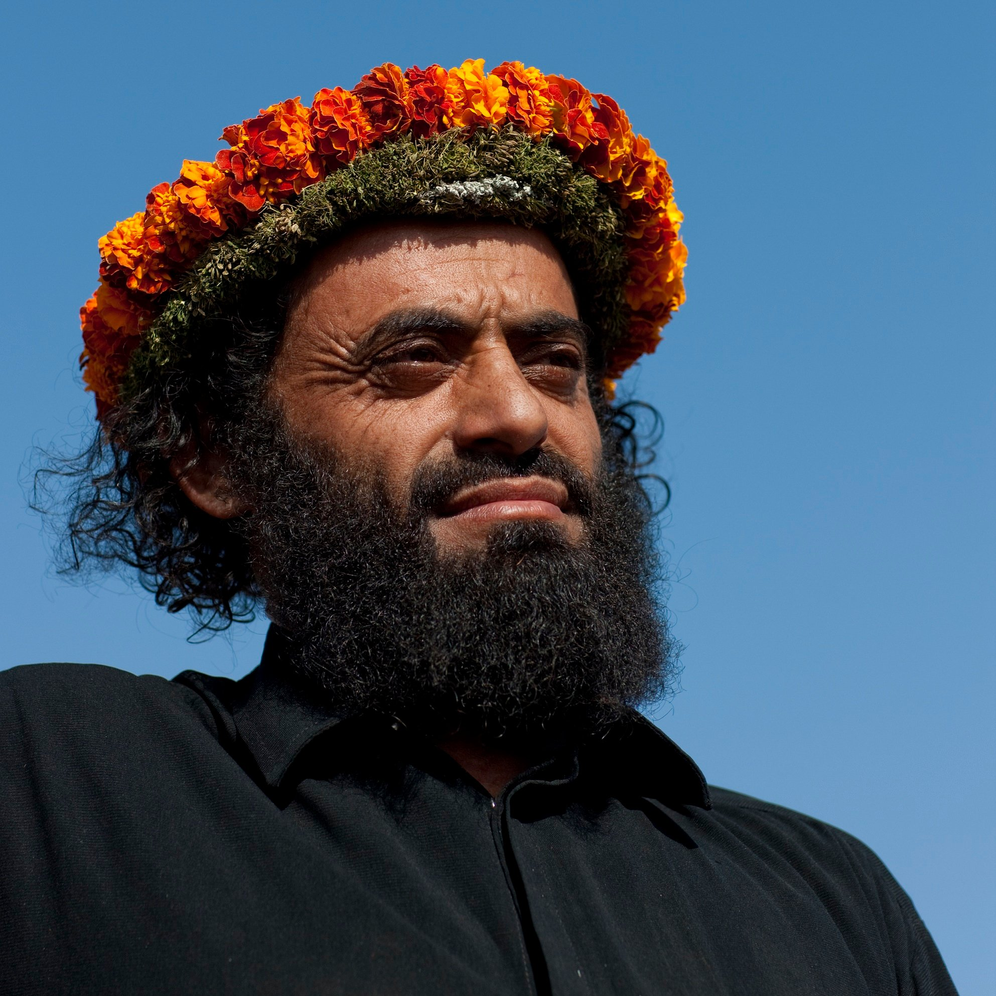 The flower men of saudi arabia middle east eye garlands made exclusively for medicinal purposes such as the one this man is wearing are less pretty and stuffed with herbs eric lafforgue izmirmasajfo