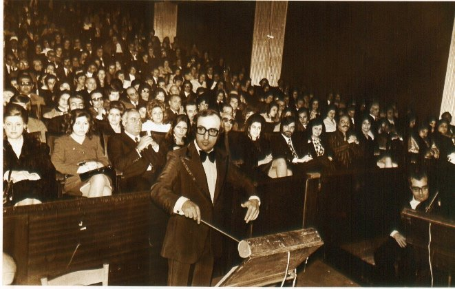 Elias Rahbani performs at the Picadilly theatre in Beirut's Hamra district (Courtesy of Jad Rahbani)