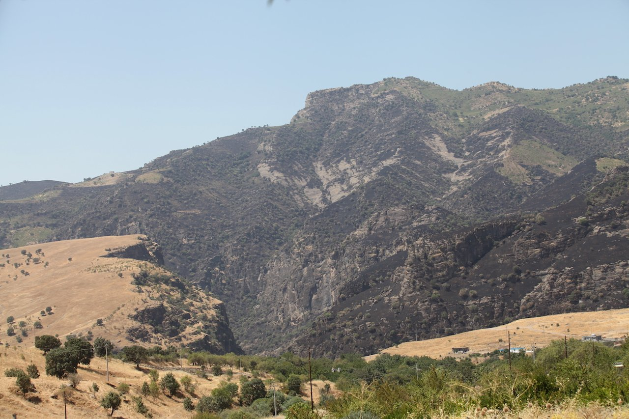 Mawat Mountain Burned by fire after Turkish bombardment on 7-8 August (Kakalaw Abdulla)