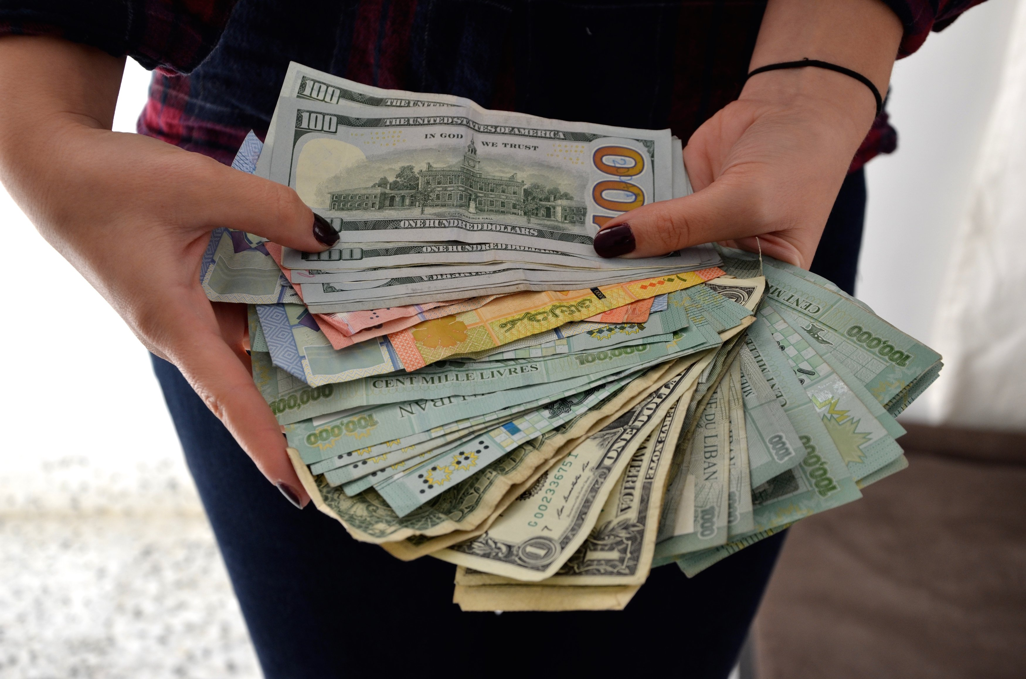 Show me the money! No bank accounts for many Syrians in Lebanon