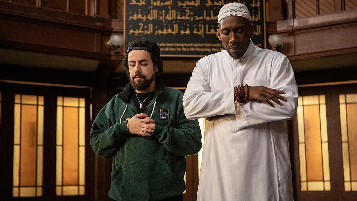 Ramy seeks spiritual guidance from an imam, as played by Oscar winner Mahershala Ali (Hulu)