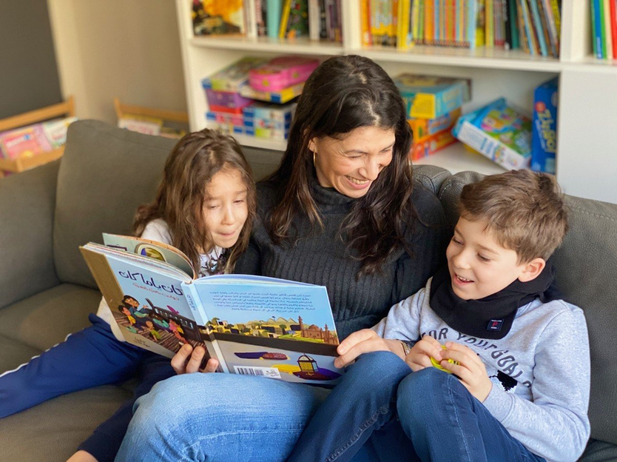 Teaching Arabic to kids: How families are putting the fun back into reading | Middle East Eye
