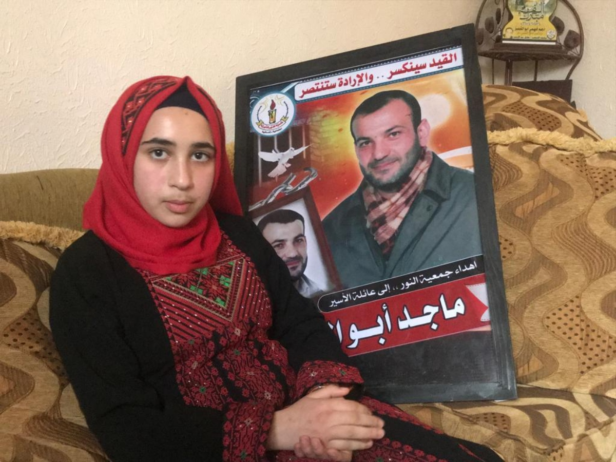 Zina, now 14, had no contact with her father for some six years (MEE/Motasem Dalloul)