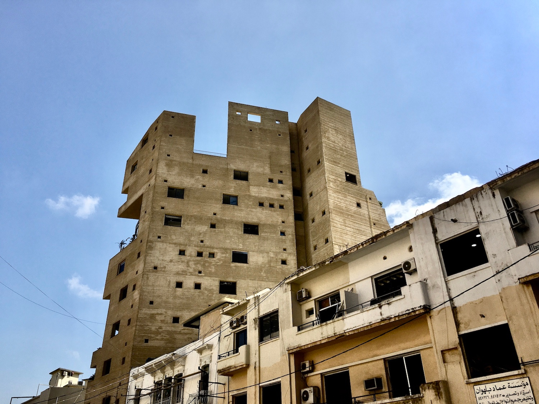 Stone Garden binası patlama nedeniyle nispeten zarar görmedi (MEE / Chloe Domat)