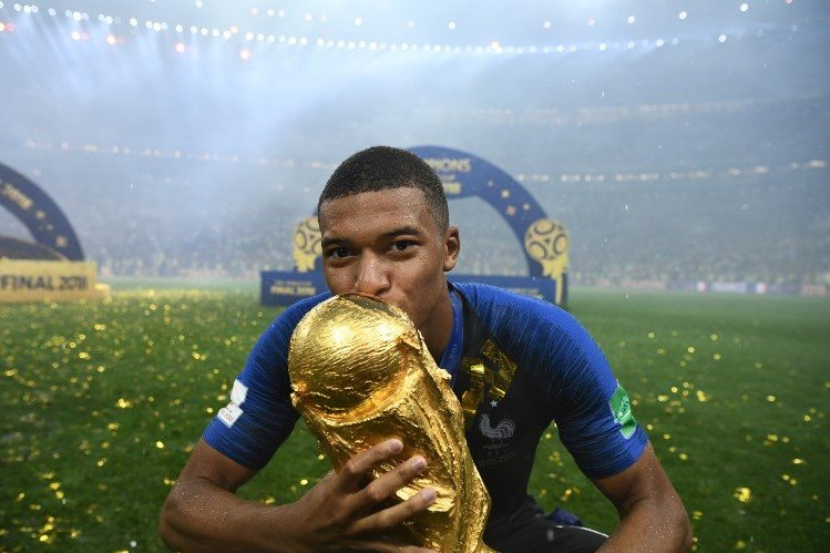 France's embrace of its black footballers will not last