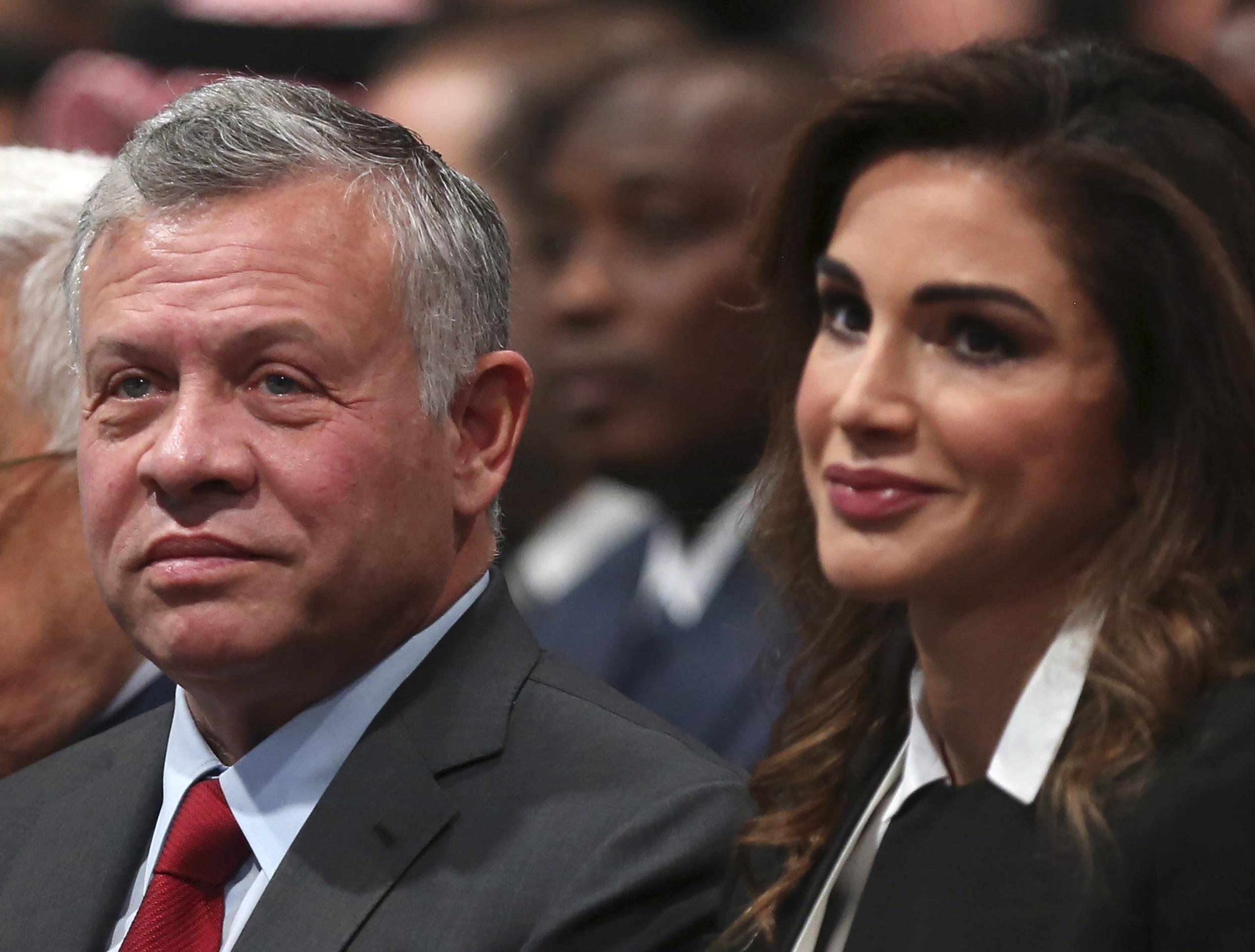 Jordanie Derriere Les Sourires Sur Instagram La Famille Royale Ne Tolere Aucune Critique Middle East Eye Edition Francaise