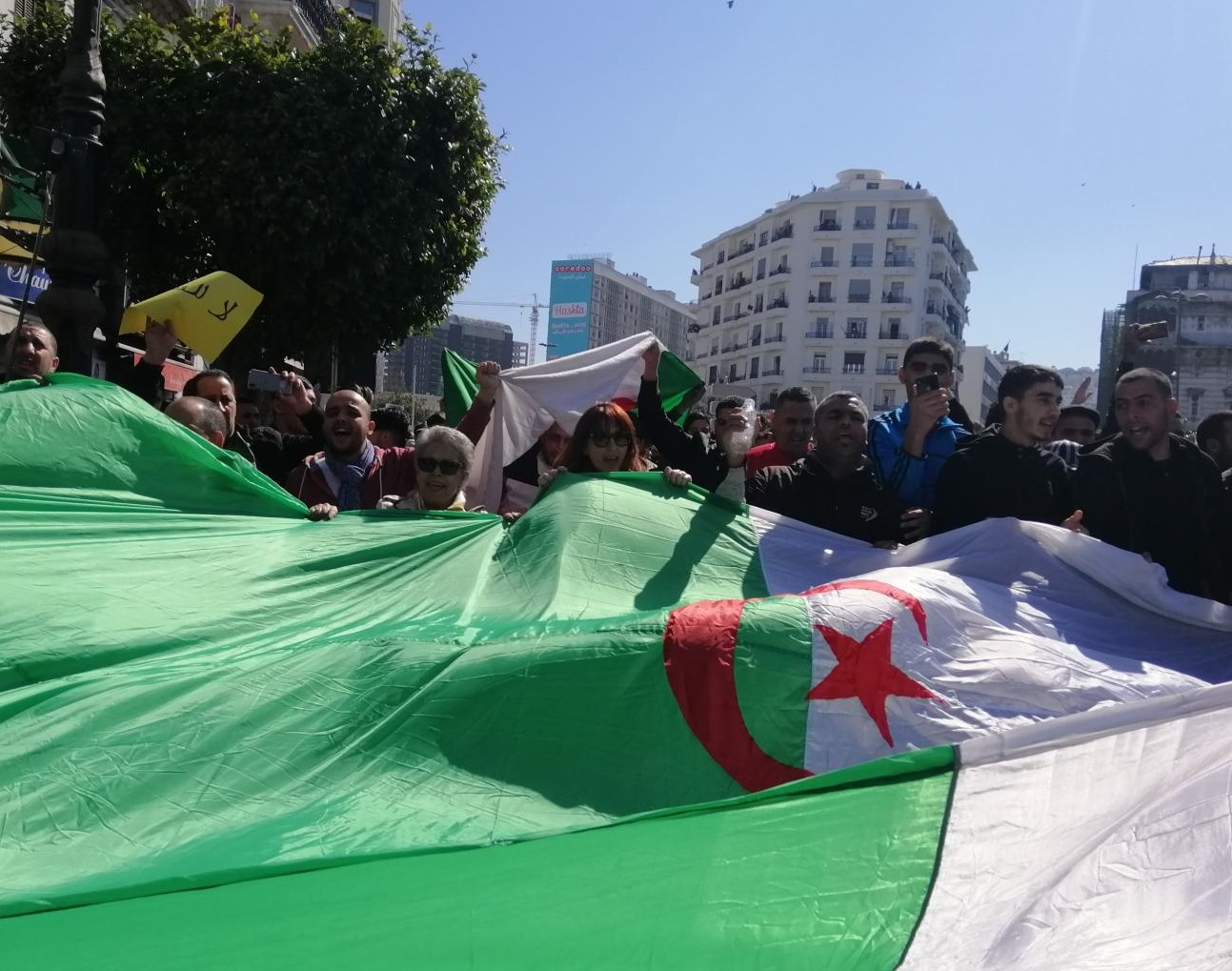 Algerians demonstrate against a fifth term for Bouteflika (MEE/Dalia Ghanem)