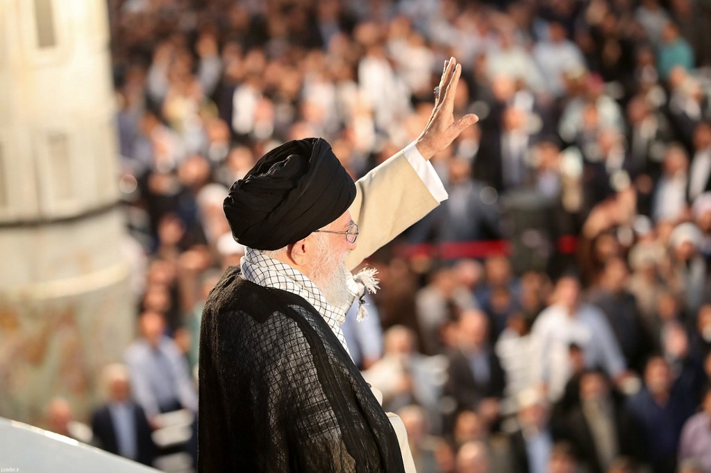 USA slaps 'hard hitting' sanctions on Iran's supreme leader Khamenei