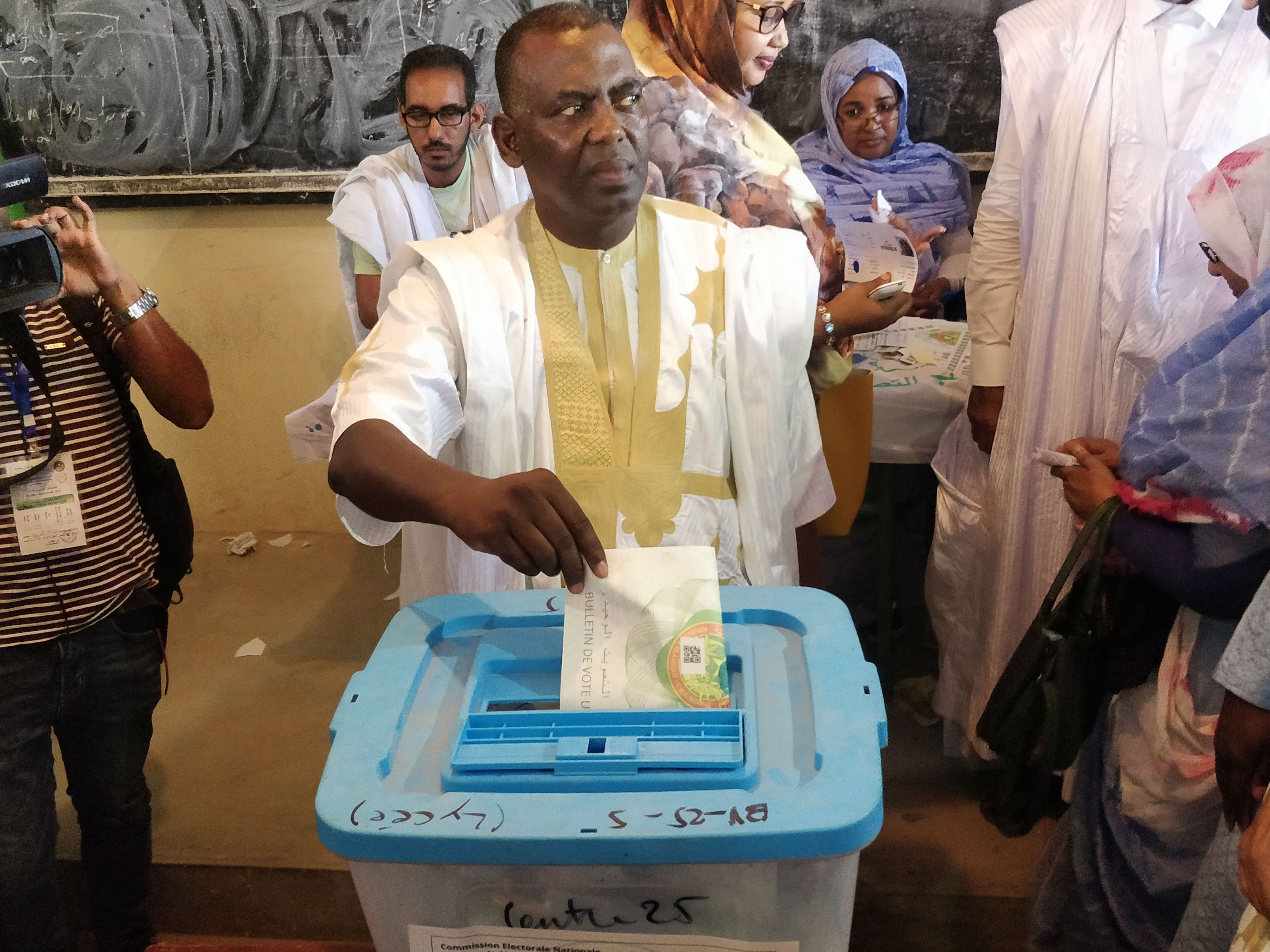 Biram Dah Abeid casts his vote in a polling station in Nouakchott (MEE/Amandla Thomas-Johnson)