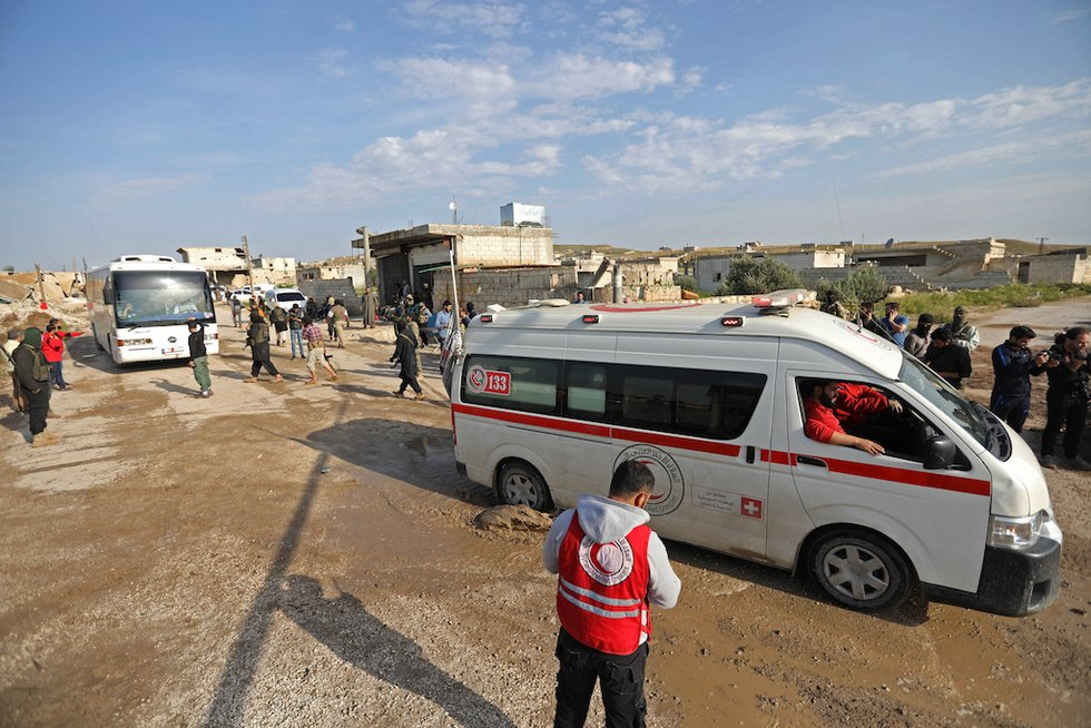 Deal reached to evacuate pro-government Syria towns: Monitor