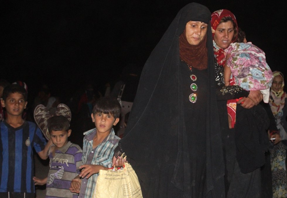 Fallujah Escape: Families pay $100-a-head to IS militant - to flee his group