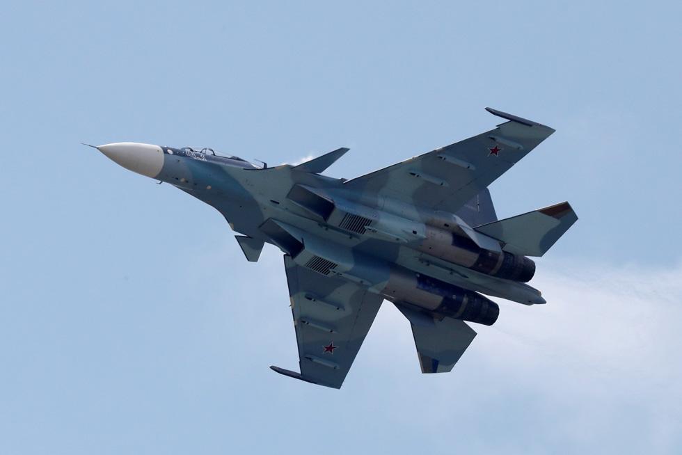 Russian pilots killed in plane crash off Syrian coast