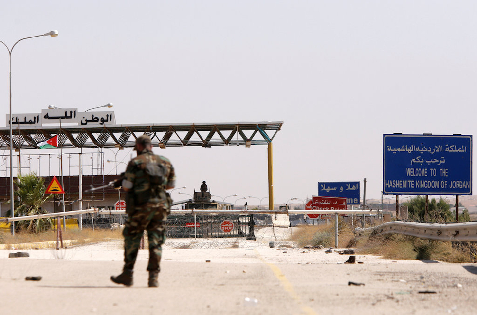 Jordan army clashes with Islamic State militants fleeing Syrian forces