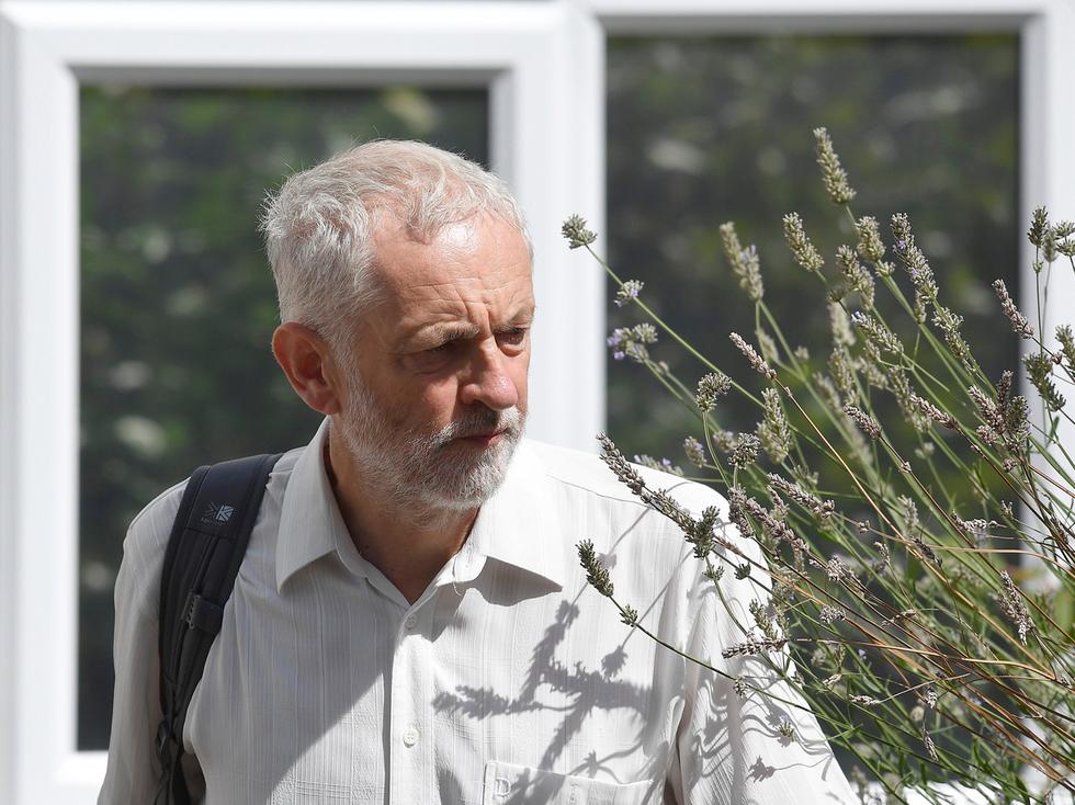 Corbyn and Netanyahu exchange barbs over wreath laying ceremony