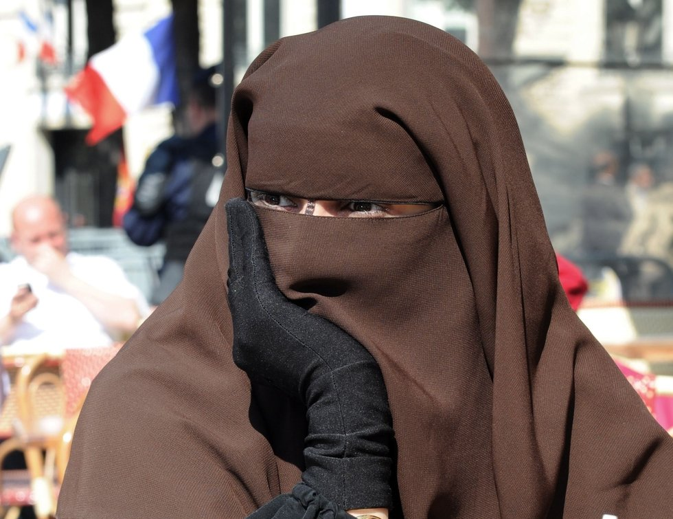 UN committee: France's niqab ban violates human rights