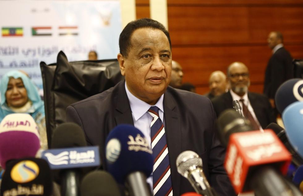 Bashir sacks Sudan's foreign minister