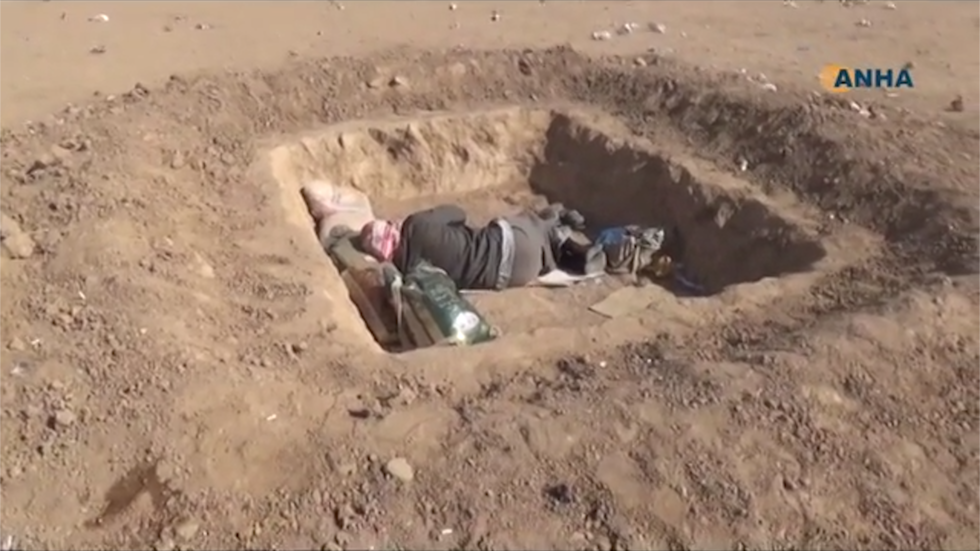 video  iraqi refugees living in holes in the desert