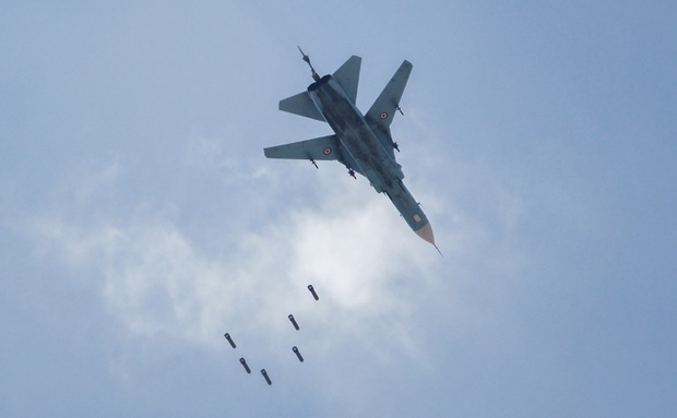 Anti-IS air strikes by US-led coalition 'kill dozens of civilians in eastern Syria'