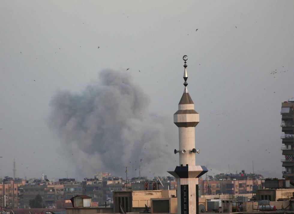 Syrian army bombards Yarmouk camp, war monitor says