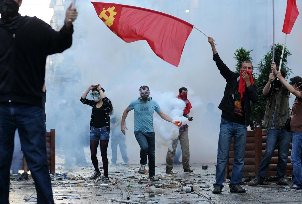 Turkey jails academic after raids over Gezi Park protests