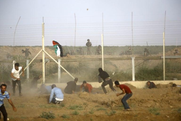 Israeli army kills Palestinian near fence in southern Gaza