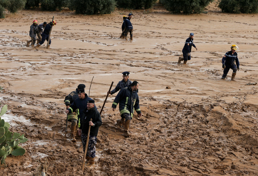 Jordan floods kill 12 people, forcing thousands of tourists to flee Petra