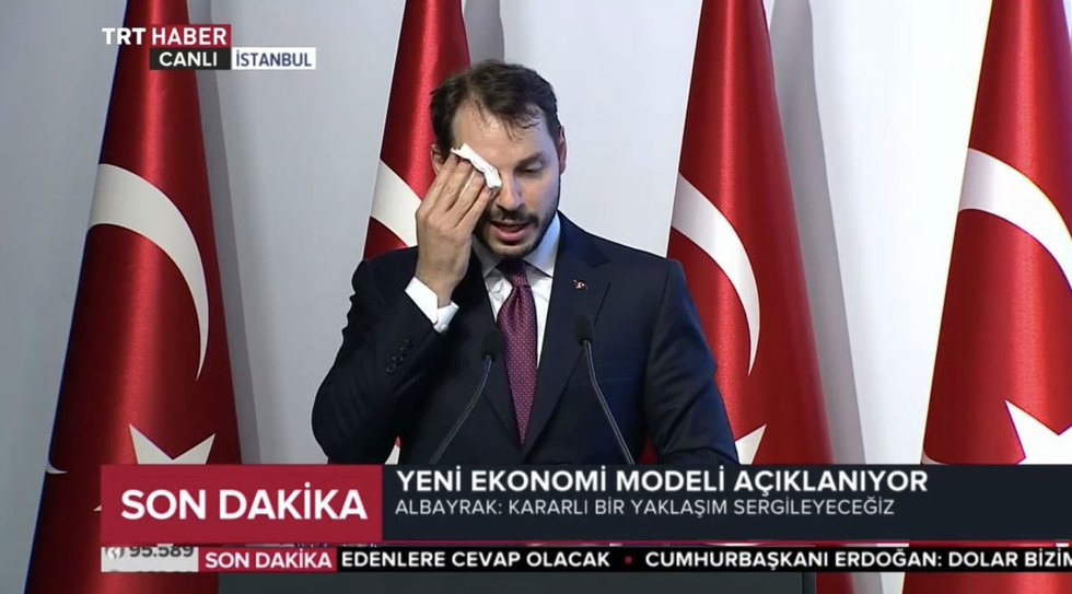 Turkish Twitter users react to currency turmoil and sweaty minister