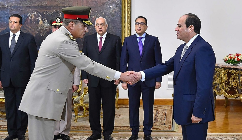 Egypt's new defence minister 'arrested Morsi during coup': Former official