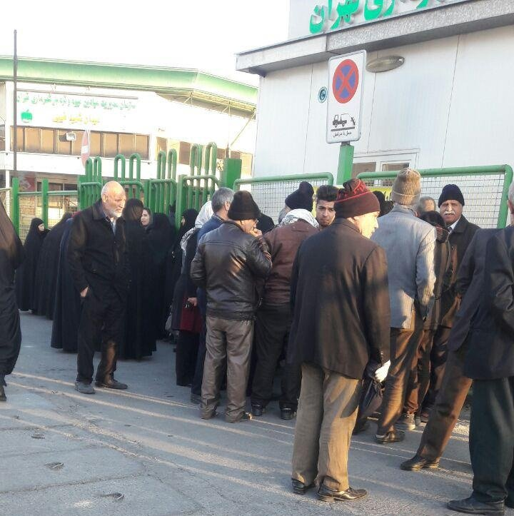 Meat queues in Ray City, Tehran