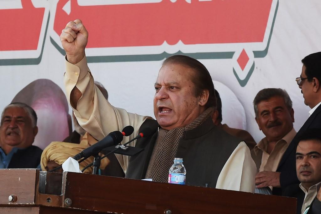 Former Pakistani Prime Minister Nawaz Sharif speaks in Quetta in 2017 (AFP)