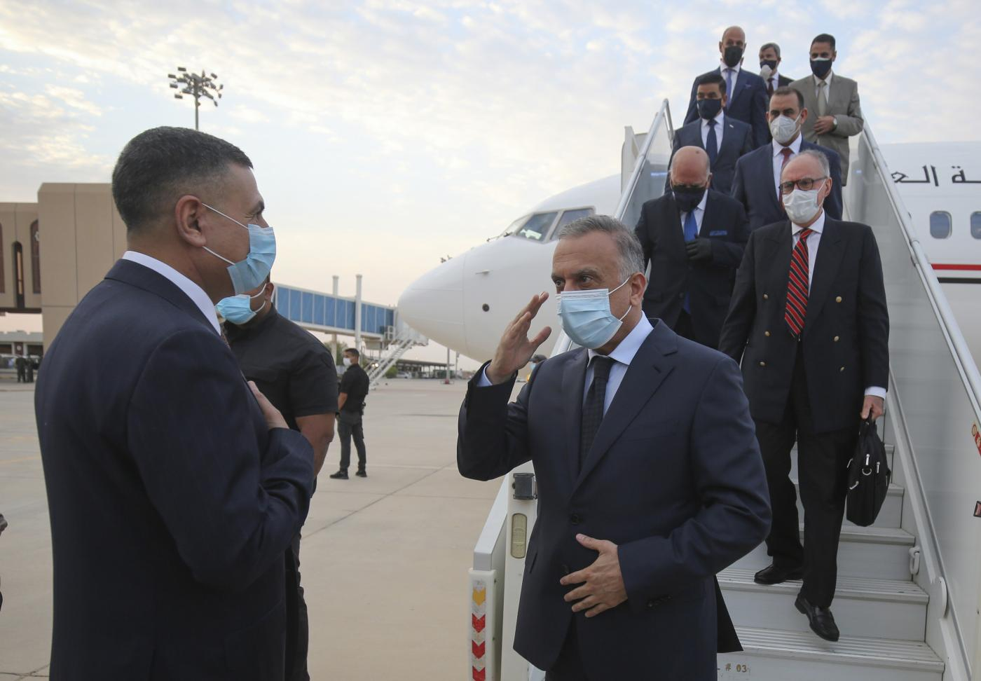 'Man of settlements': Iraq's Kadhimi walks the line in anti-corruption drive 000_1V85SC