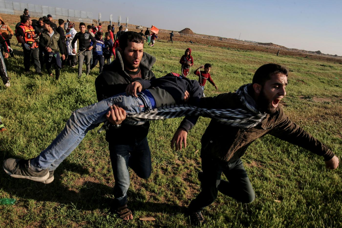 Two Palestinians killed by Israeli fire in Gaza border clashes