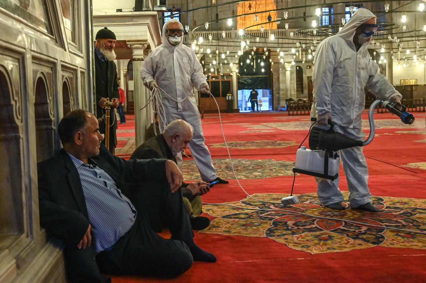 Turkey coronavirus update: Religious authorities suspend all ...