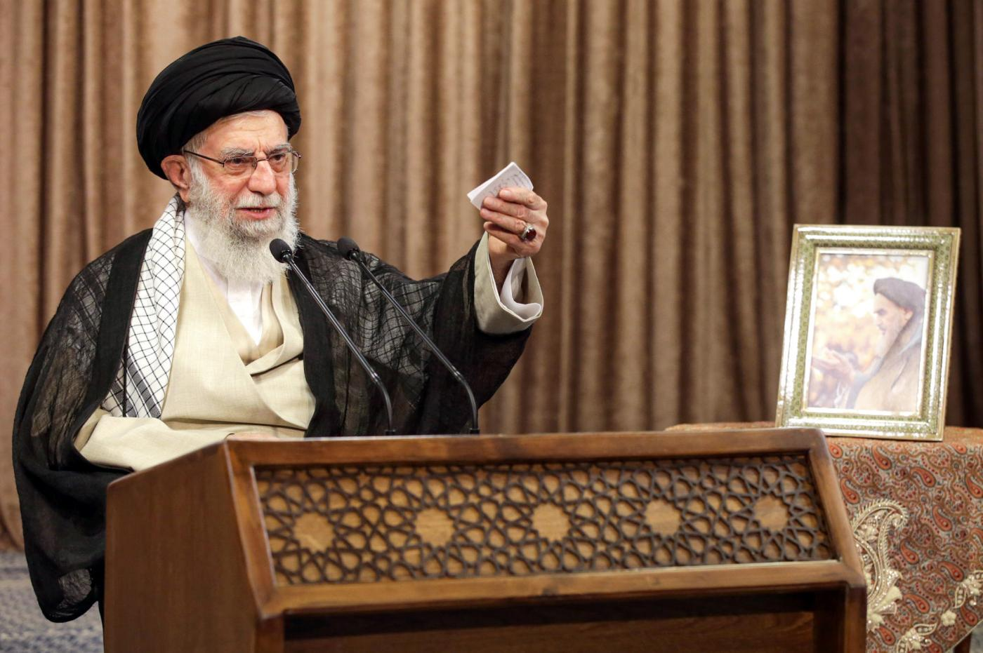 EXCLUSIVE: Iran's Khamenei ordered end to Iraqi attacks on US interests