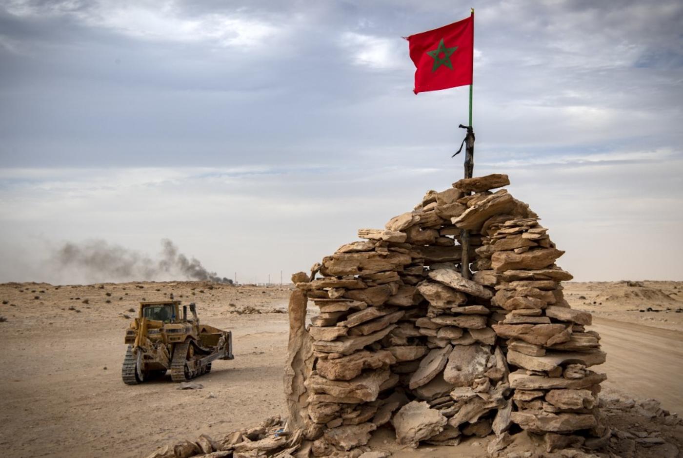 Colline tenue par des soldats marocains sur une route entre le Maroc et la Mauritanie à Guerguerat, au Sahara occidental, le 23 novembre 2020, après l'intervention des forces armées royales marocaines dans la région (AFP)