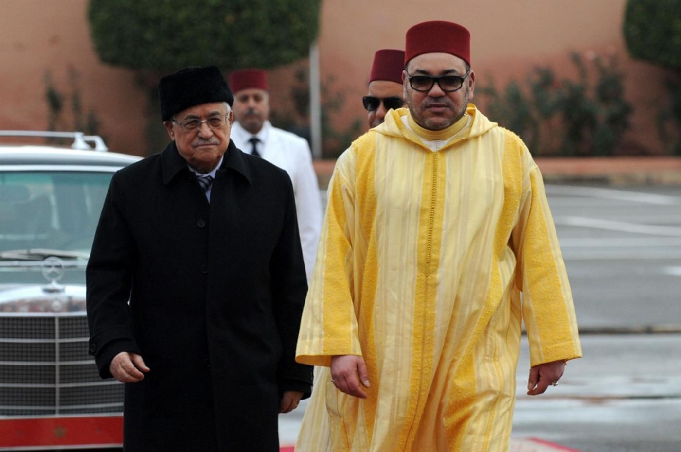 Mohammed VI veut s'imposer comme l'intermédiaire principal entre Abbas et Netanyahou (AFP)