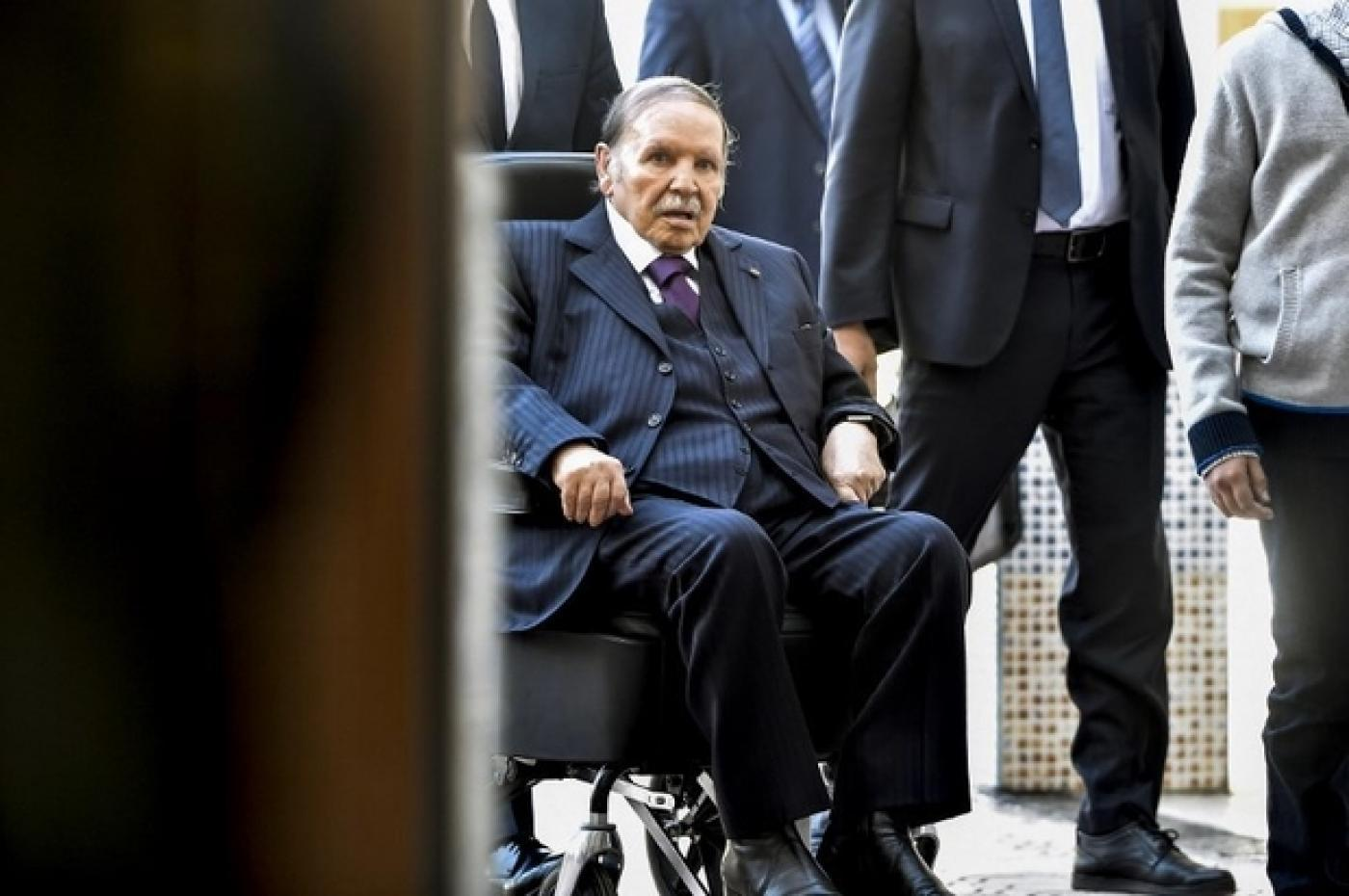 Algerian Islamic party rejects president's concessions
