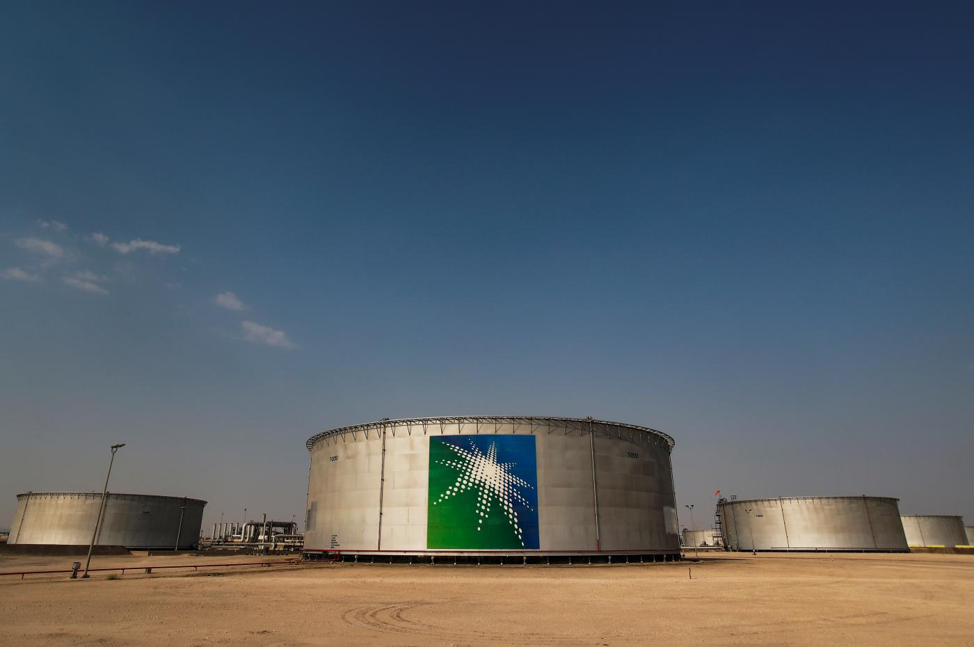 Saudi adopts 'shock and awe' tactics against rivals in the oil market