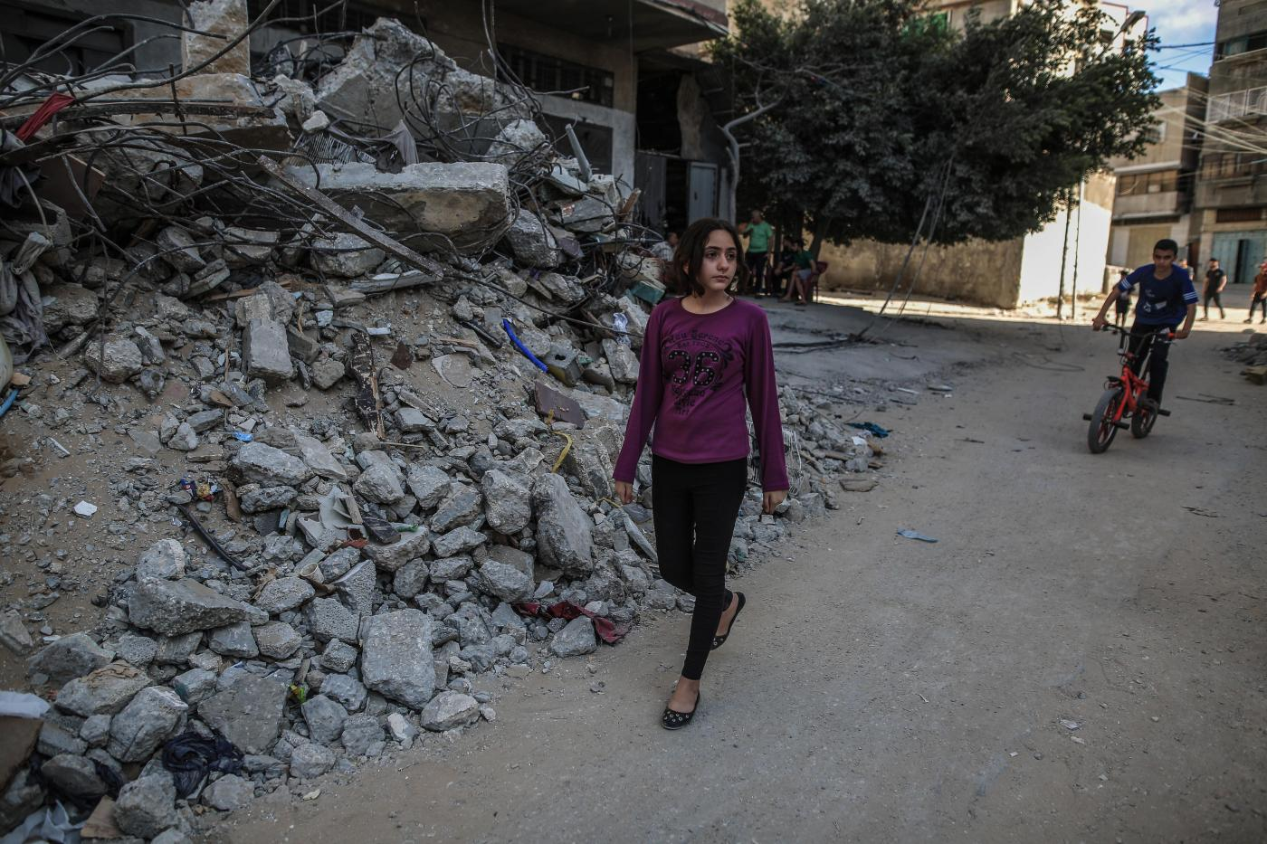 Nadine Abdullatif walks through her neighbourhood