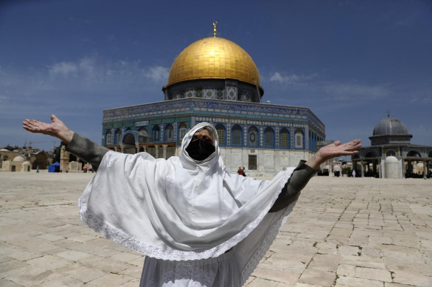 Israel restricts entry to Al-Aqsa Mosque for Palestinians on first Friday  of Ramadan   Middle East Eye