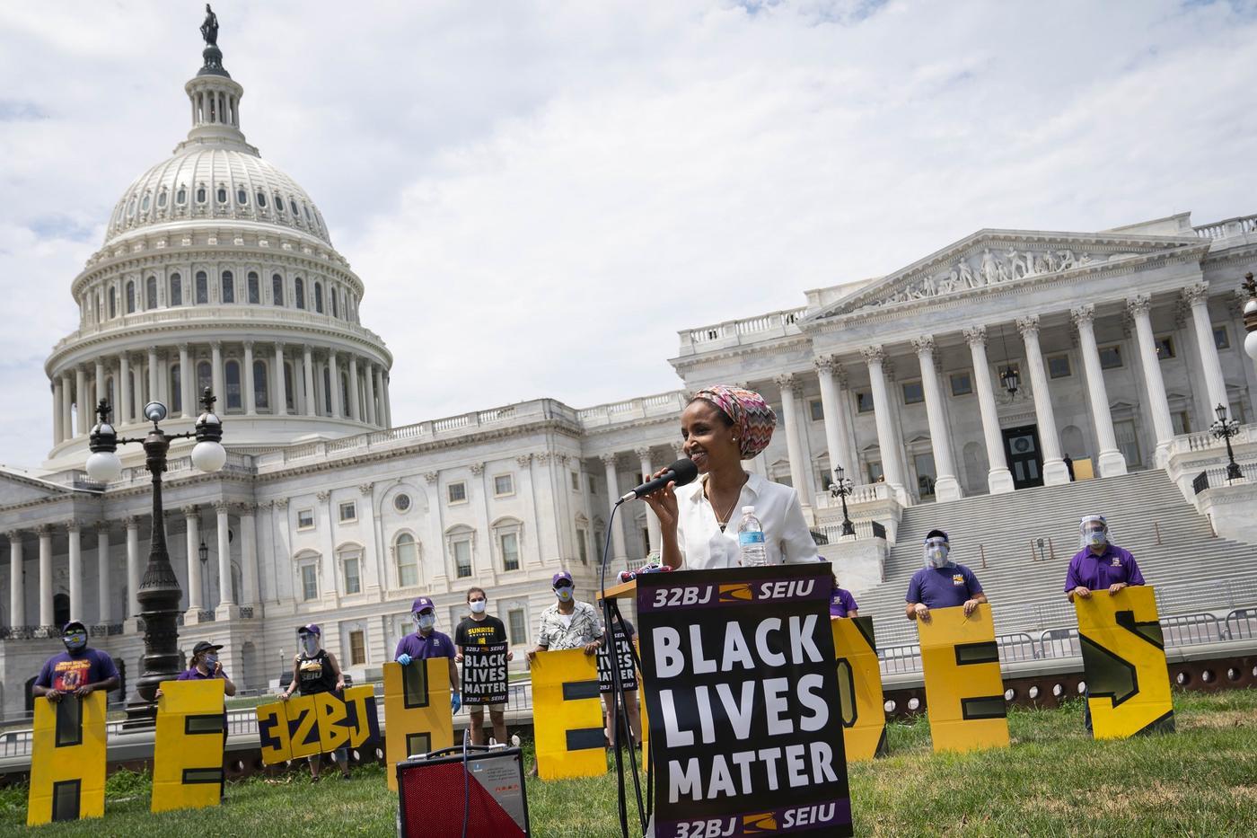 Embattled Muslim Congresswoman Ilhan Omar Defeats Strong Opponent