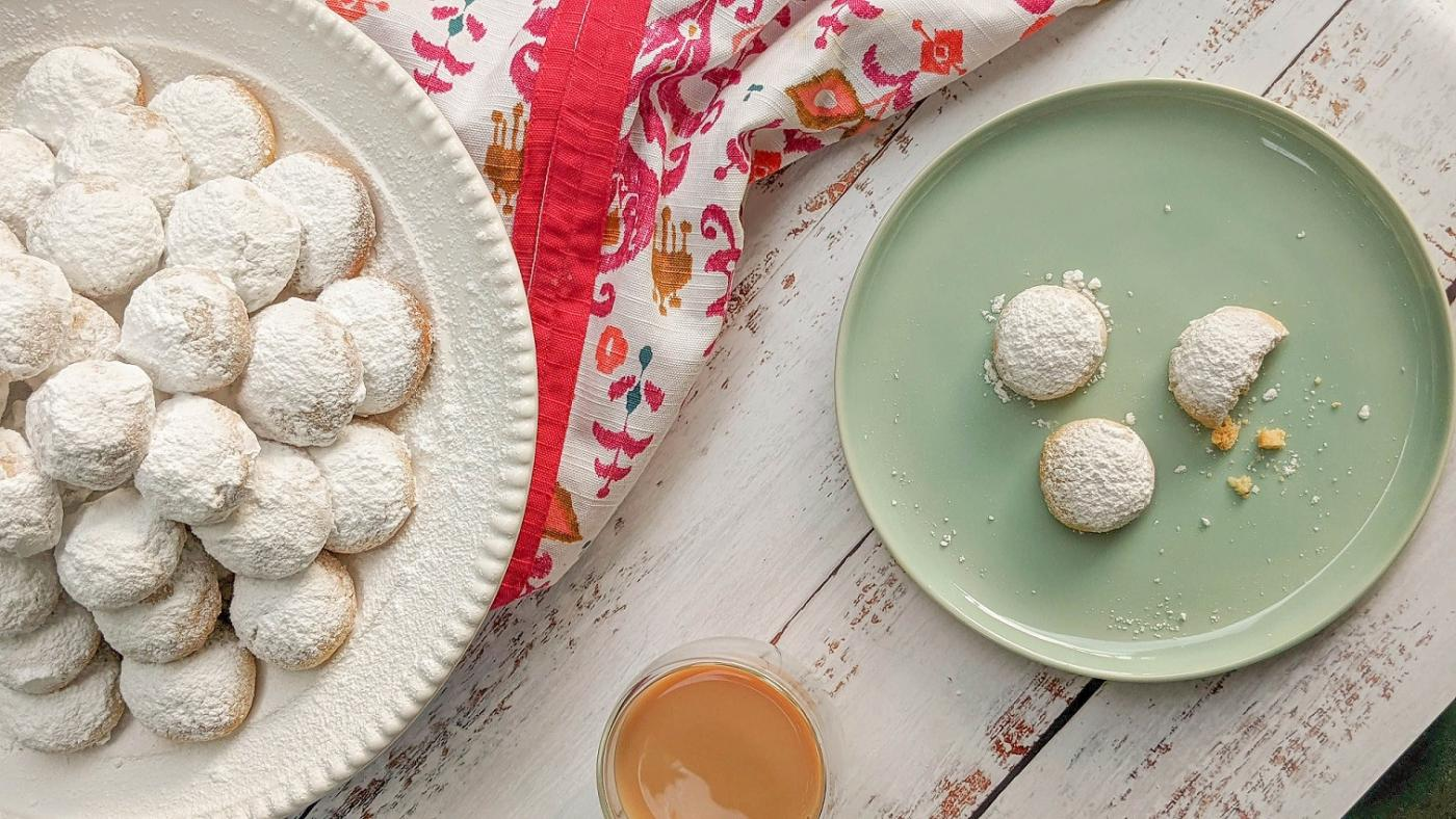 How to make kahk: Egyptian Eid cookies with three different fillings    Middle East Eye