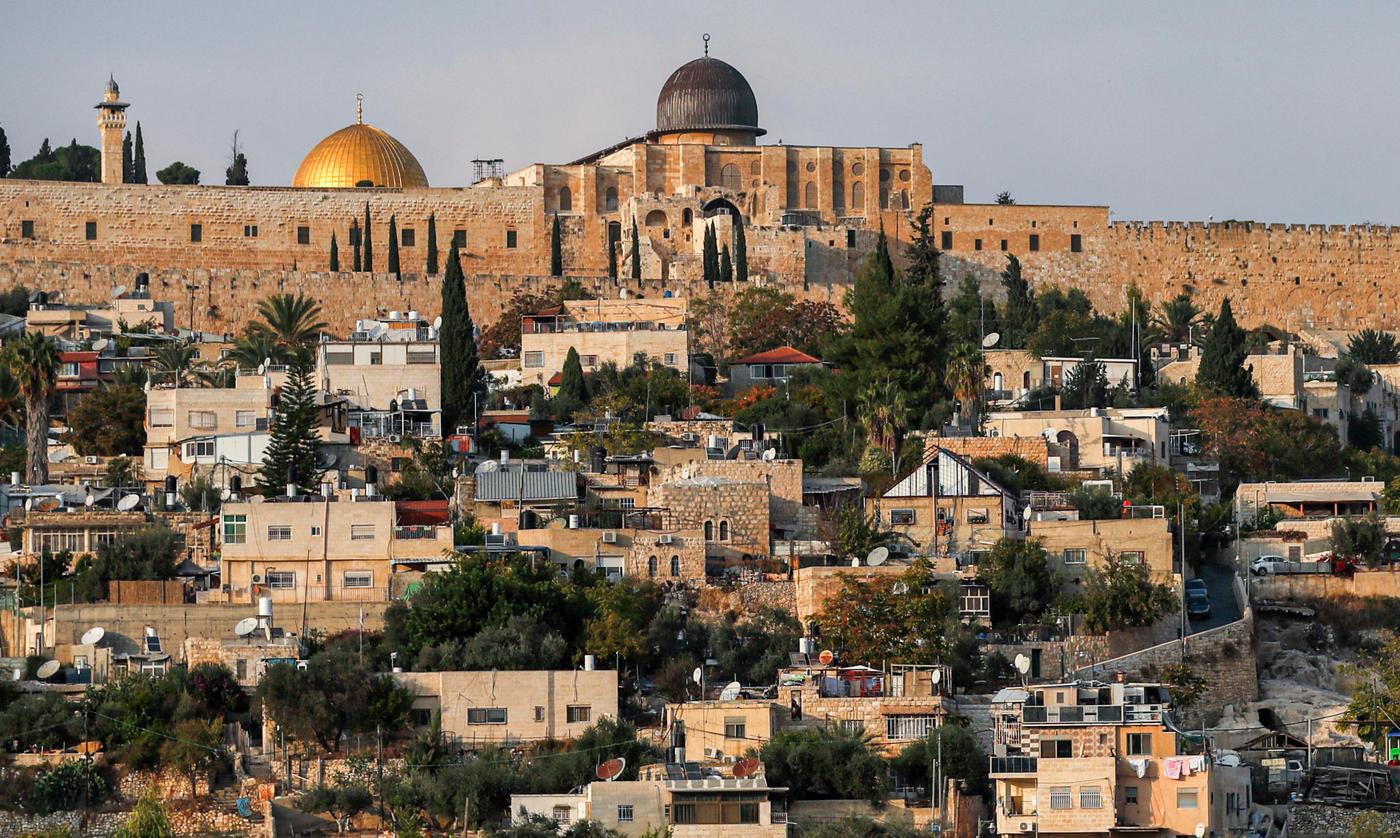 Arabic Press Review: UAE accused of selling Palestinian lands in East Jerusalem