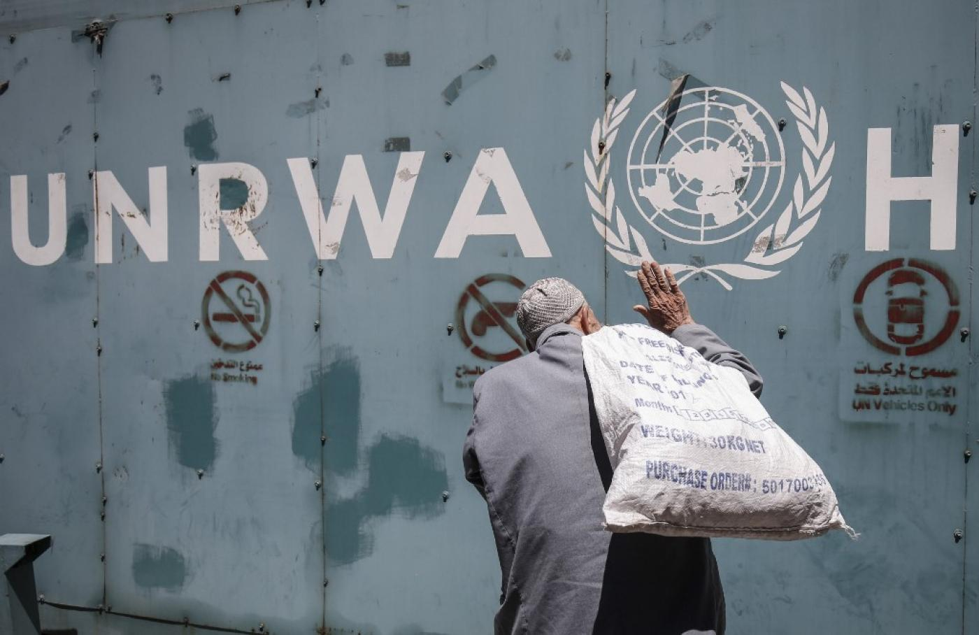 Israel sends 5,000 vaccine doses to Palestine